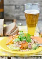 insalata di verdure con pancetta foto