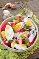 insalata di pomodori e uova foto