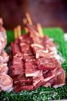 carne fresca di macellaio foto