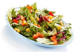 mangiare sano - insalata di verdure foto