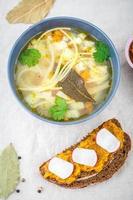 zuppa con noodles foto