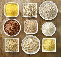 vari tipi di chicchi di cereali