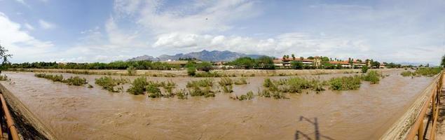 panorama del fiume rillito.