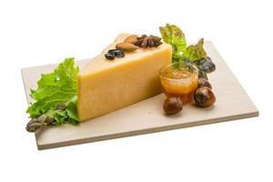 formaggio a pasta dura vecchio foto