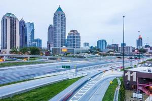 Skyline della città di Atlanta in Georgia il giorno nuvoloso