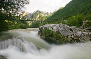 fiume alpino foto