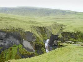 fiume in islanda foto