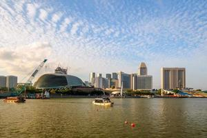 Singapore - 20 giugno 2014: edifici nello skyline di Singapore