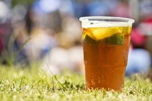 cocktail della tazza di estate foto