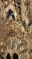 basilica e chiesa espiatoria della sacra famiglia a barcellona foto