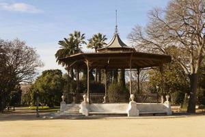 chiosco nel parco della ciutadella a barcellona, in spagna.