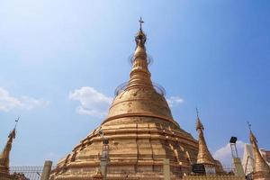 pagoda di botataung a yangon, birmania (myanmar) foto