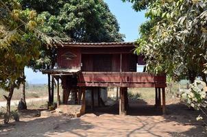 casa del monaco nel monastero di tai ta ya, myanmar foto