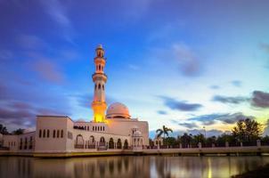 tengku tengah nur zaharah mosque foto