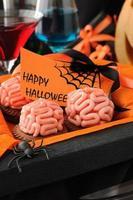 biscotti con cervelli di marzapane per halloween foto