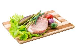 bistecca con l'osso crudo foto