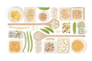 legumi su sfondo bianco foto