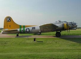 b-17g vista laterale foto