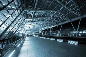 notte dell'aeroporto di Shanghai foto