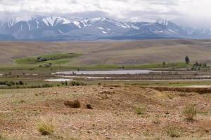 paesaggio montagne della steppa