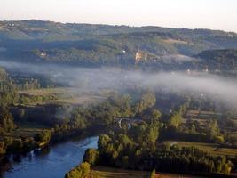 paesaggio della Dordogna all'alba foto