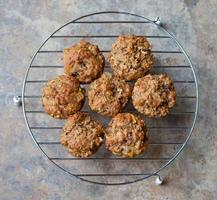 muffin di crusca al forno freschi foto