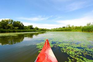 canoa su un lago