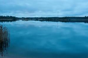 lago notturno foto