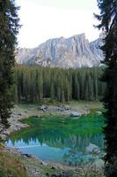lago di carezza foto