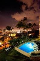 Honolulu, Hawaii skyline di notte. foto