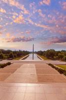 piscina riflettente di alba del monumento di Washington foto