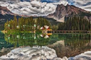 lodge sul lago di smeraldo foto
