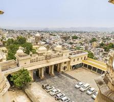 Vista della città di udaipur dal palazzo della città, udaipur foto