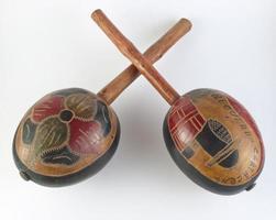 vecchie maracas in legno