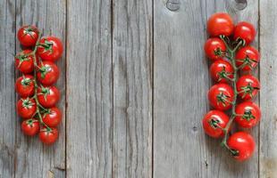 pomodori ciliegini foto