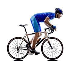 ciclista ciclismo su strada sagoma della bicicletta foto