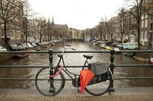bicicletta ad amsterdam foto
