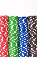 chip di gioco. isolato su sfondo bianco foto