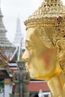 kinnari dorato Bangkok Tailandia foto