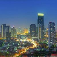 Vista notturna di Bangkok foto