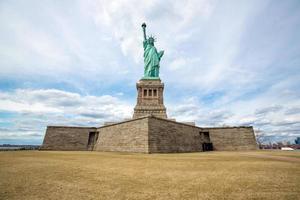 statua della libertà new york city foto