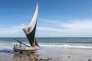 jangada sulla spiaggia, brasile foto