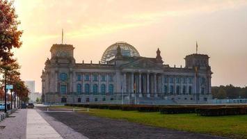 Edificio del Reichstag a Berlino, Germania foto