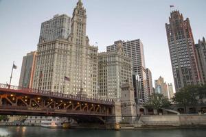 stati uniti d'america - illinois - chicago, chicago river skyline foto