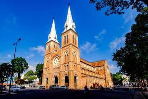 Notre Dame a Sai Gon la mattina foto
