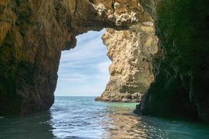 rocce e scogliera a Lagos Portogallo foto
