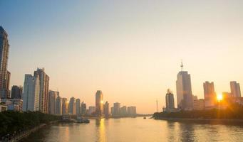 paesaggio di alba del fiume delle Perle di Guangzhou foto