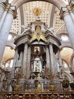 altare della cattedrale di Puebla, vista laterale