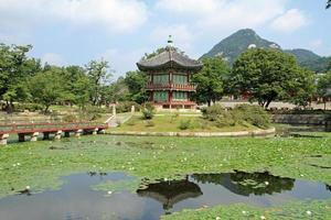Hyangwonjeong di Gyeongbokgung a Seoul, Corea foto
