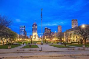 skyline del centro di Indianapolis foto